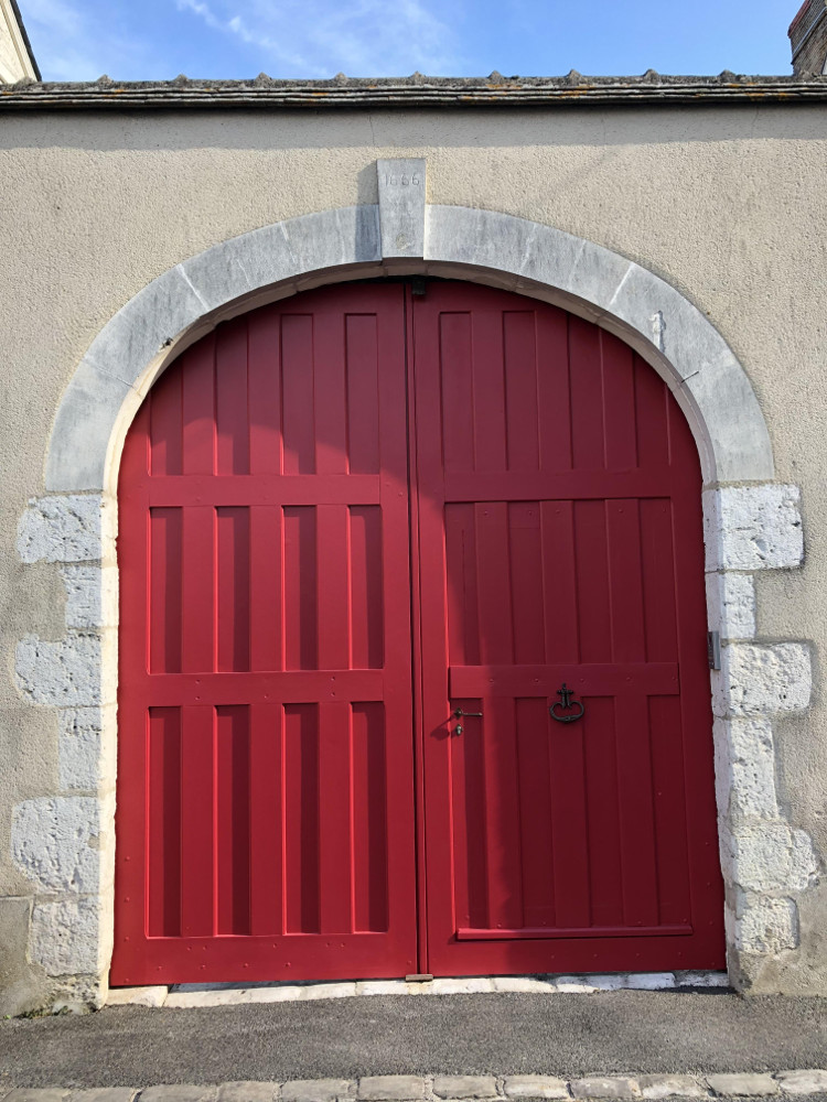 Porche rectory red farrow Romorantin